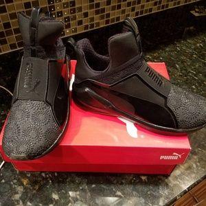 Kim Kardashian Fierce Puma Sneakers Size 7.5